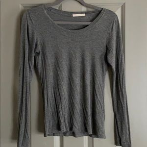 speckled gray long sleeve top